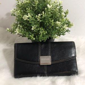 Kenneth Cole Reaction women Leather wallets-Black